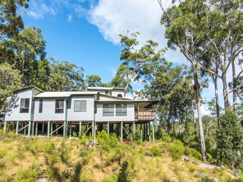 House 25 Kingfisher Heights Est, Fraser Island, Qld 4581