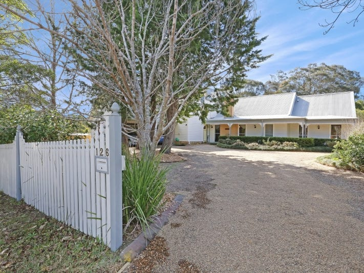 126 Old Bells Line of  Road, Kurrajong, NSW 2758