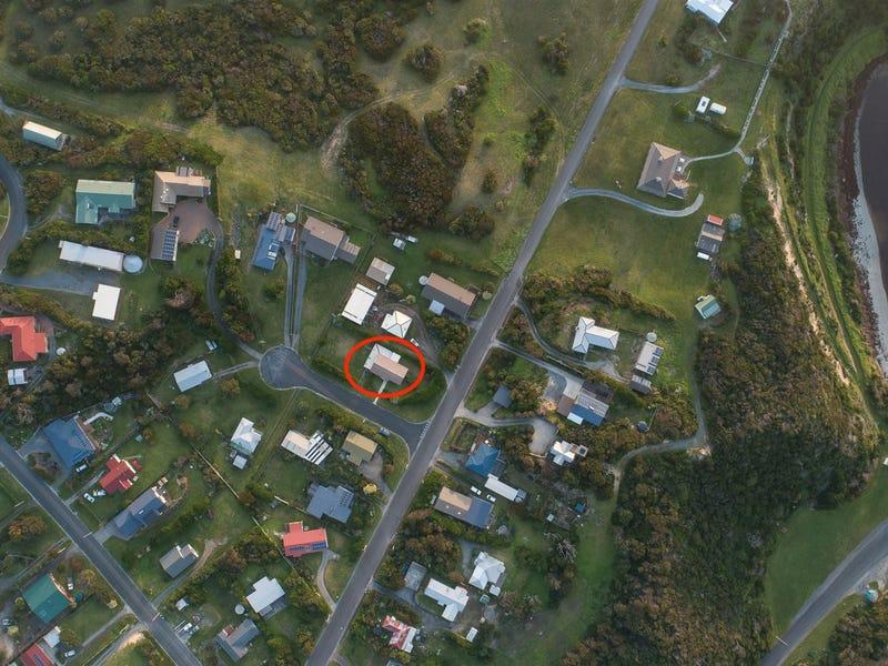 17 Lighthouse Street, Currie, Tas 7256