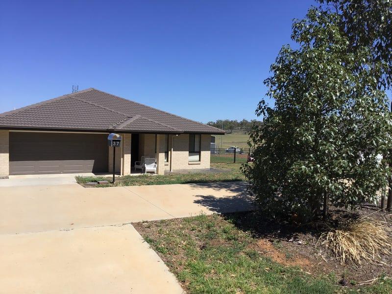 37 Windmill Drive, Tamworth, NSW 2340