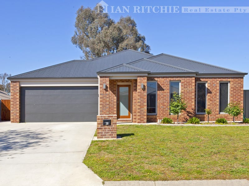 38 Cambridge Drive, Thurgoona, NSW 2640