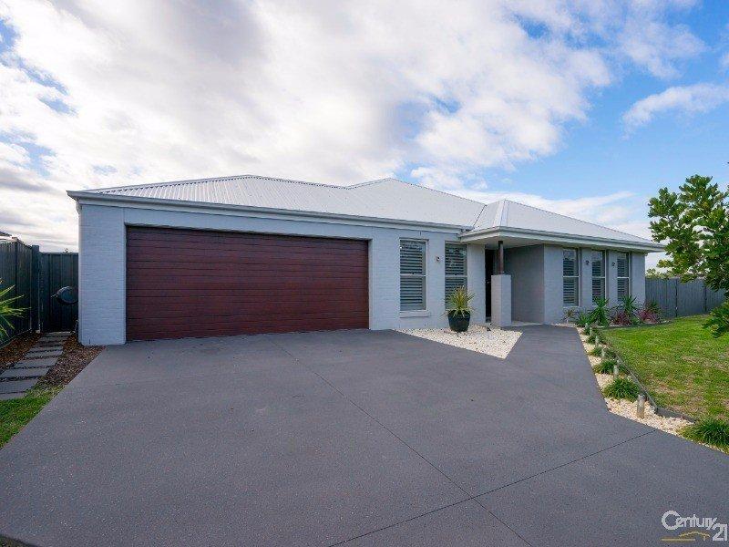 8 Monkerai Street, Fern Bay, NSW 2295