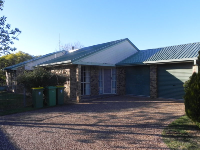 8 Fairway Drive, Pittsworth, Qld 4356
