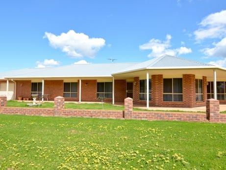 27-29 Stipa Street, Goolgowi, NSW 2652