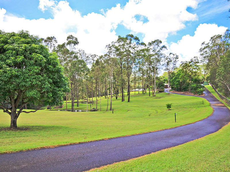 10 BRUNSWICK PLACE, Wights Mountain, Qld 4520