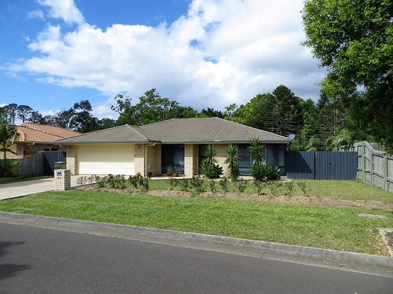 11 Maddock Ave, Mooloolah Valley, Qld 4553