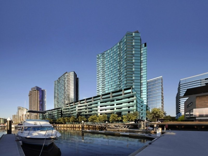 1D/9 Waterside Place, Docklands
