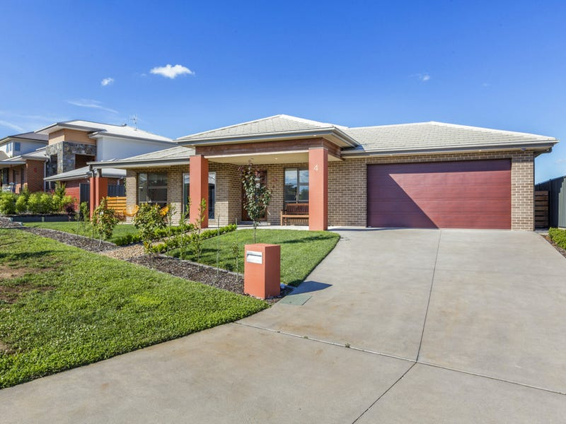 4 Mcgowan Cres, Googong, NSW 2620