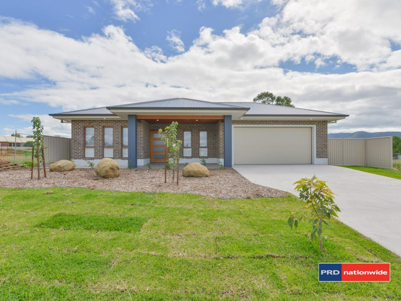 9 Appaloosa Place, Tamworth, NSW 2340