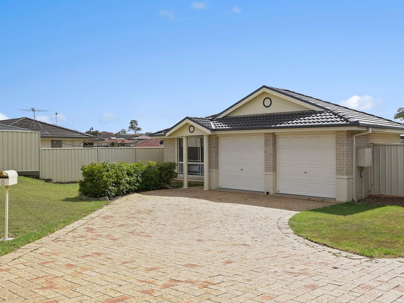 8 Binet Close, Thornton, NSW 2322