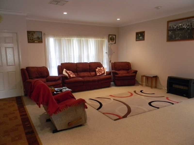18 Cobley Avenue, South Tamworth, NSW 2340
