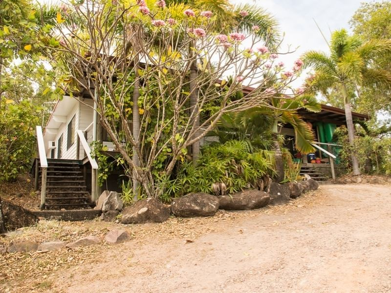 98 Airport Road, Horn Island, Qld 4875