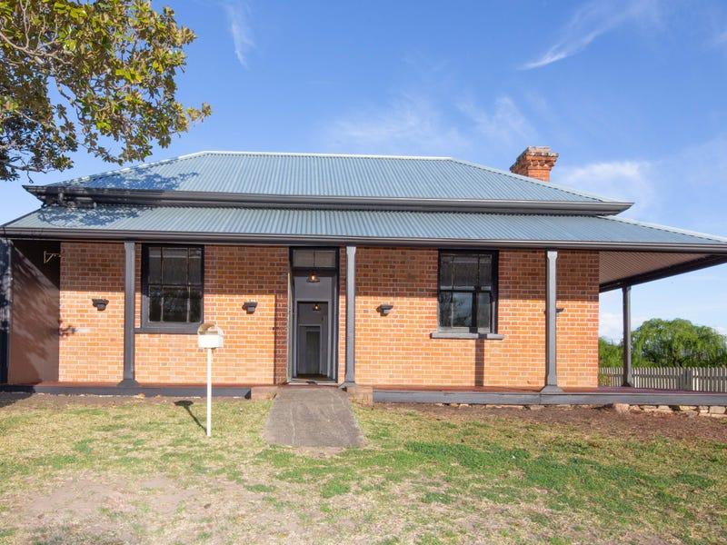 94 Wood Street, Tenterfield, NSW 2372