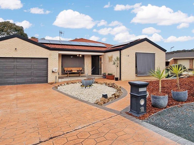 18 Binaburra Place, Queanbeyan, NSW 2620
