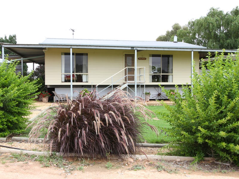 63 Sturt Road, Pomona, NSW 2648