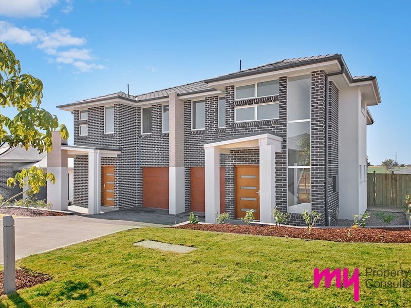 1/2 Sowerby Street, Oran Park, NSW 2570