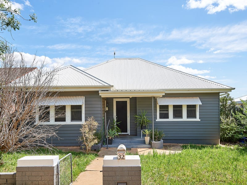 32 Croaker Street, Turvey Park, NSW 2650