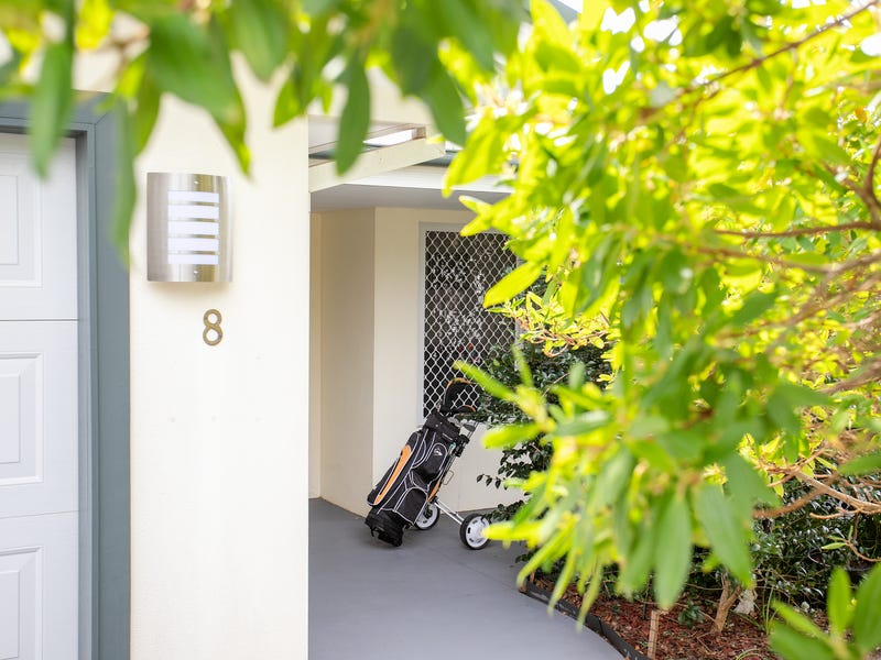 8 Everett Court, Mollymook Beach, NSW 2539