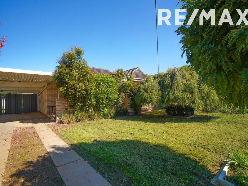 18 Huthwaite Street, Mount Austin, NSW 2650