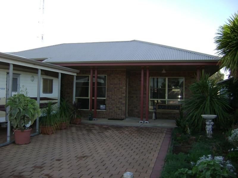 10 Cowell Rd, Cleve