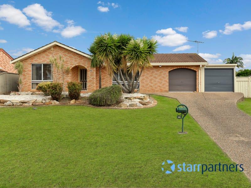 10 Larapinta Crescent, St Helens Park, NSW 2560