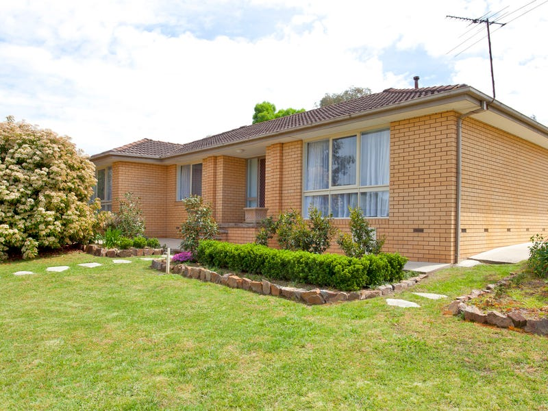 27 Hotham Circuit, Thurgoona, NSW 2640
