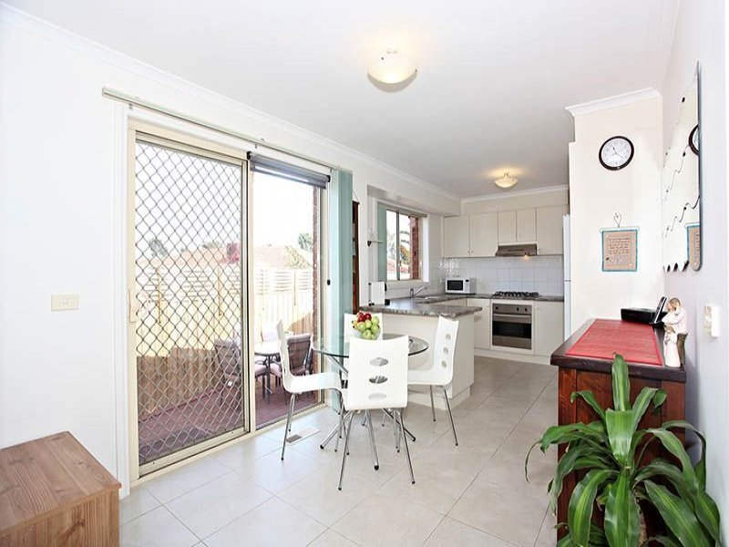2/2 Heroic Court, Mill Park, Vic 3082