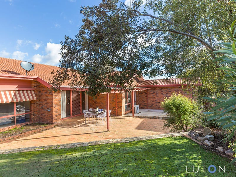 6 Winter Place, Jerrabomberra, NSW 2619