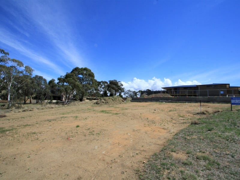 13 ALKOOMI PLACE, Cooma, NSW 2630