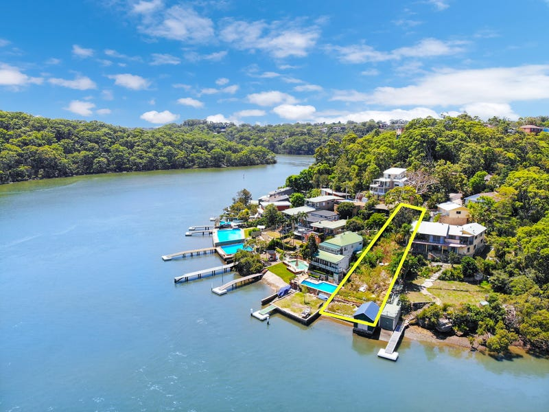 136 Moons Ave, Lugarno, NSW 2210