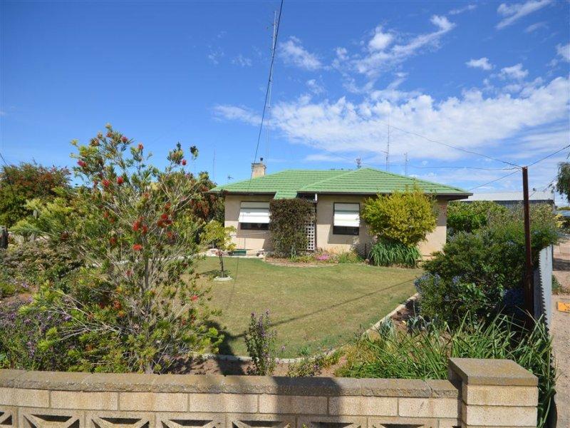 13 Adelaide Road, Lameroo, SA 5302