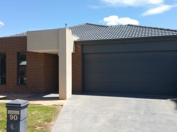 90 Bassett Drive, Strathfieldsaye, Vic 3551