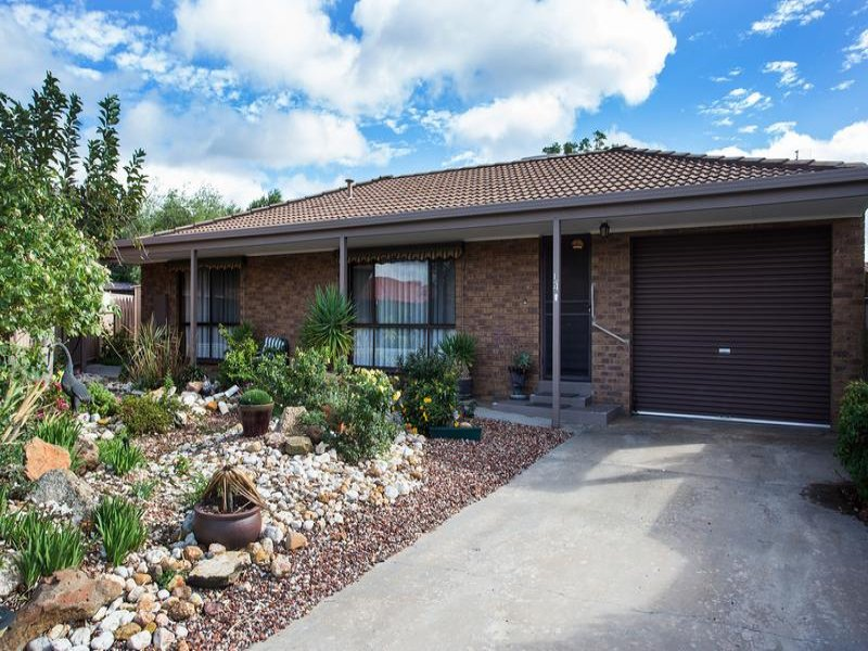 1/4 Mayer Court, Strathdale, Vic 3550