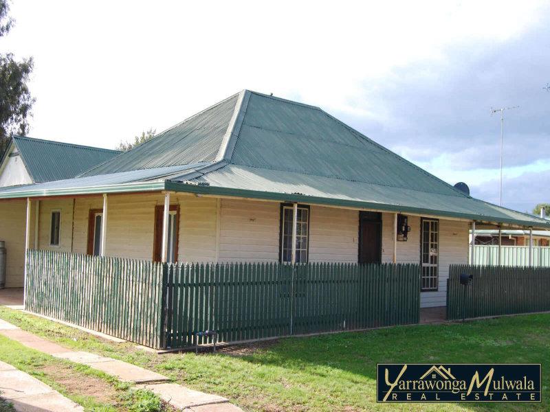 1  Chapman Street, Urana, NSW 2645