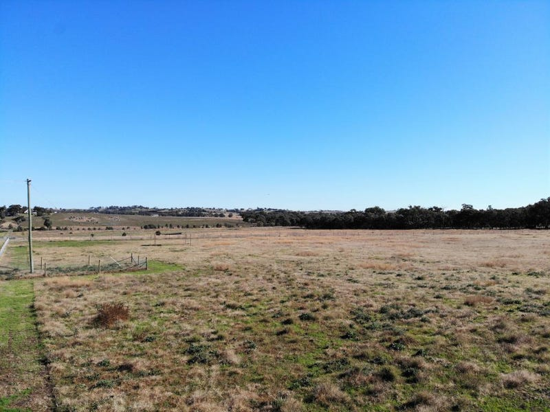 1003 Henry Lawson Way, Young, NSW 2594