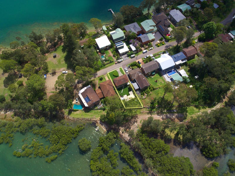 4 Caswell Cres, Tanilba Bay, NSW 2319