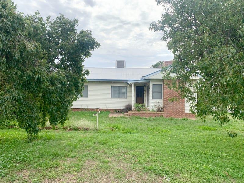 32 Carroll St, Gunnedah, NSW 2380