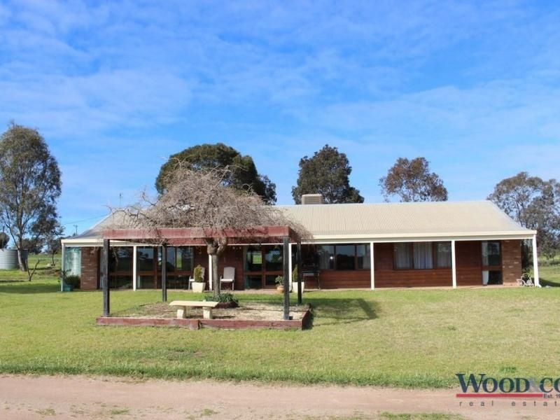 94 Ross Road, Nyah West, Vic 3595