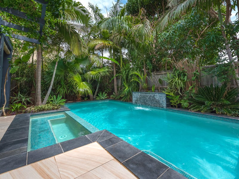 16 Teal Avenue, Paradise Point, Qld 4216