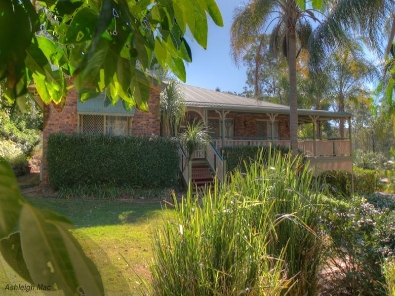 7 Gabbinbar Court, Pine Mountain, Qld 4306