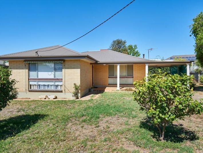 2 Berala Street, Kooringal, NSW 2650