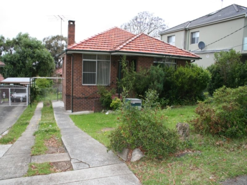 10 Junee Crescent, Kingsgrove, NSW 2208