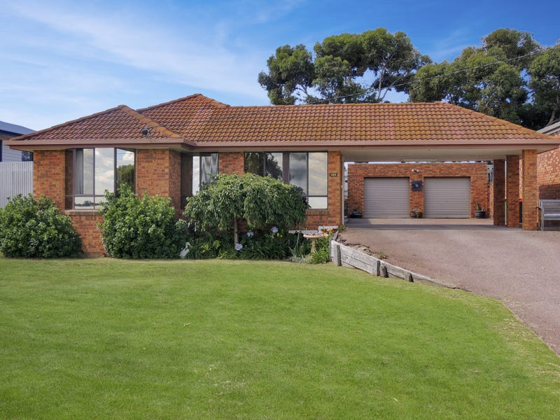 355 Lakeside Drive, Lake Boga, Vic 3584