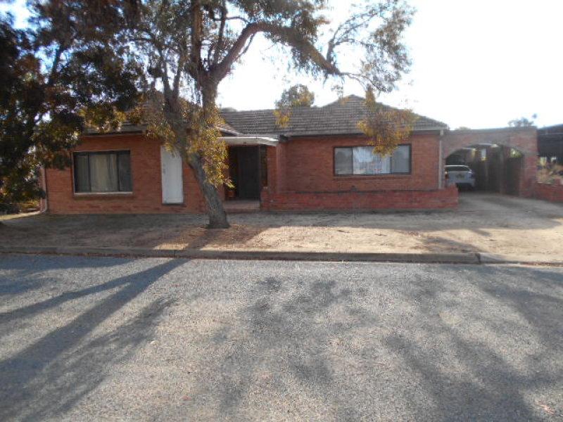12 Dampier Street, Wakool, NSW 2710