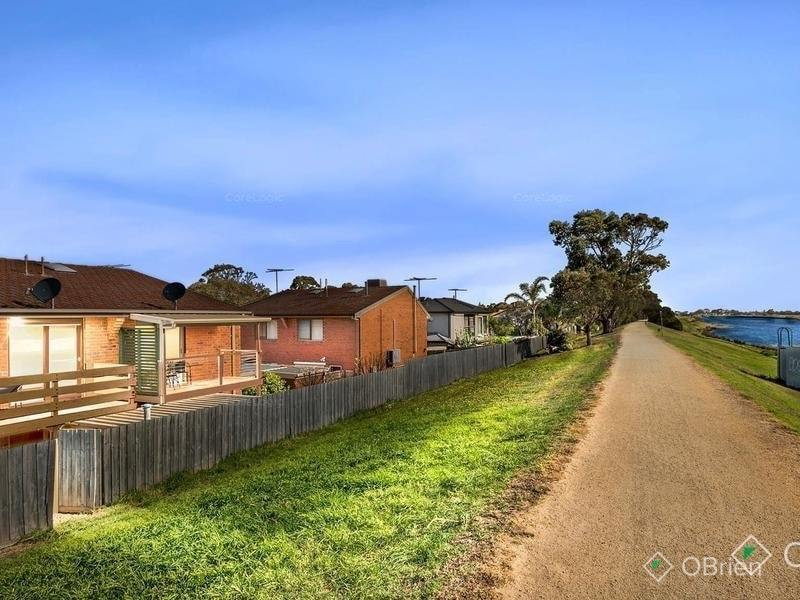 11/2-20 Gladesville Boulevard, Patterson Lakes, Vic 3197