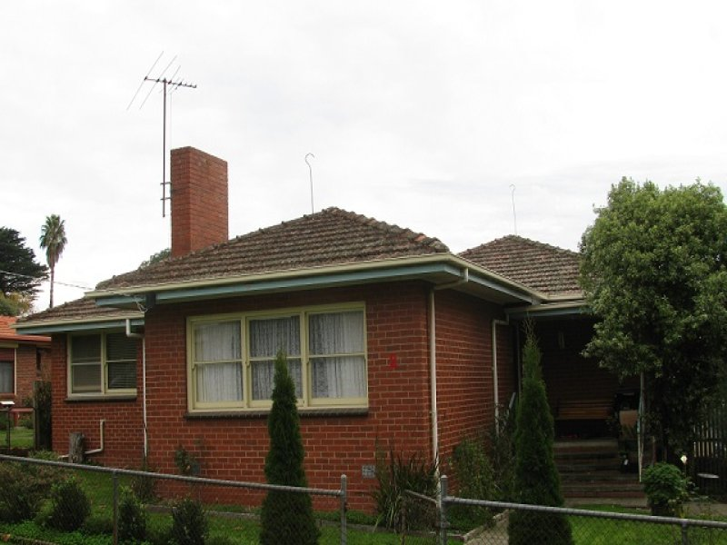 2 Clarence St, Loch, Vic 3945