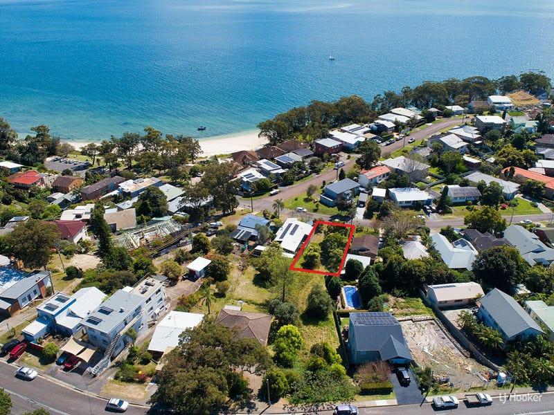 33 Christmas Bush Ave, Nelson Bay, NSW 2315
