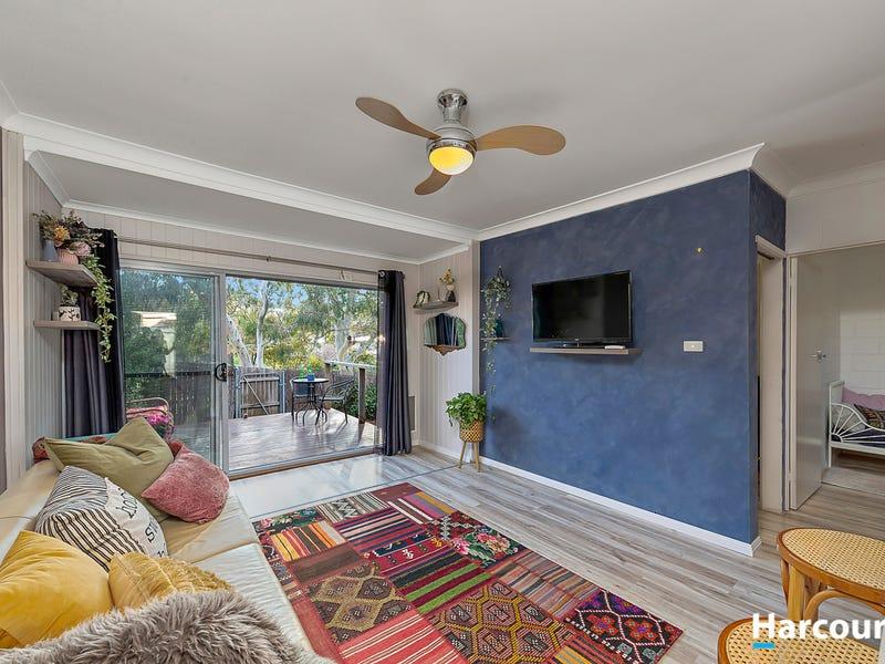 2/4 Fairmount Crescent, Karabar, NSW 2620