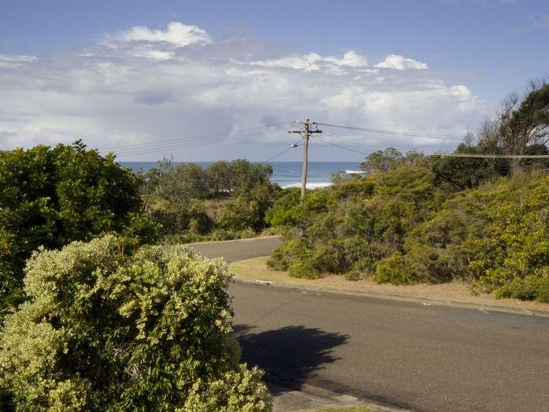1 Beach Street, Wallabi Point, NSW 2430