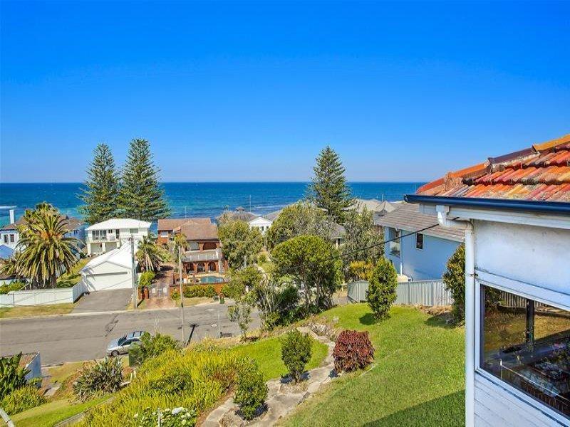 33 Werrina Parade, Blue Bay, NSW 2261
